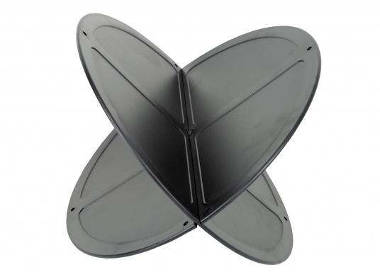Boule de mouillage en plastique noir. Elles peuvent être pliées et empilées pour être facilement rangées. À utiliser au mouillage en journée.  (Image 3 de 4)