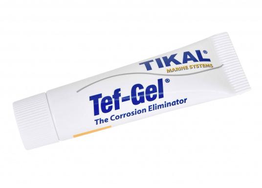 La graisse anti-corrosion Tikal Tef-Gel® stoppe la corrosion galvanique entre les métaux comme par exemple l'inox et l'aluminium. Lubrifiant durable, résistant à l'eau de mer.  (Image 1 de 5)