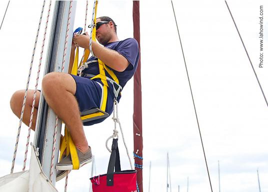 Topclimber® permet de monter seul au mât avec une chaise. Utilisation facile. Charge de travail maxi : 200 kg  (Image 1 de 9)