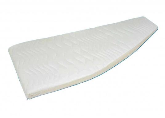 Matelas marines Gisa med® de haute qualité, disponibles en deux versions : âme de 4 cm ou âme de 2 cm. Les matelas sont confectionnés selon vos dimensions dans la limite d'une largeur de 140 cm maximum.  (Image 1 de 3)