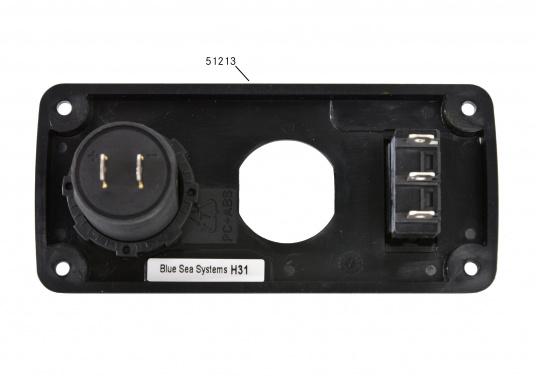 Grâce aux doubles prises USB BLUE SEA vous pouvez charger deux appareils à la fois (smartphone et tablette).  (Image 8 de 8)