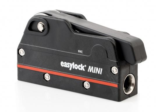 Le bloqueur easylock Mini permet de reprendre la tension sur la manoeuvre sans avoir à l'ouvrir. Pour cordage de 6 à 10 mm et bateau jusqu'à 32 pieds. Charge de travail max : 450 kg  (Image 1 de 9)