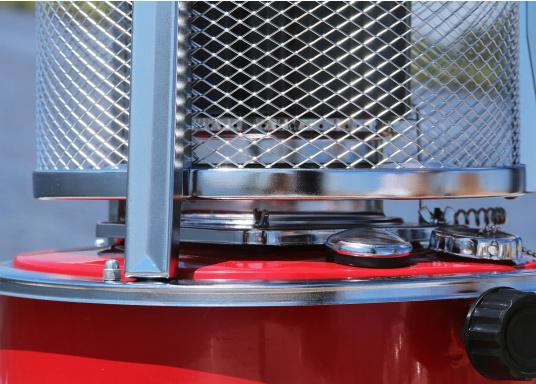 Ce poêle àpétroleapporte chaleur et confort à bord ou dans n'importe quel local. Avec un réservoir de 5litres, l'autonomie est d'environ 17 heures.  (Image 11 de 16)