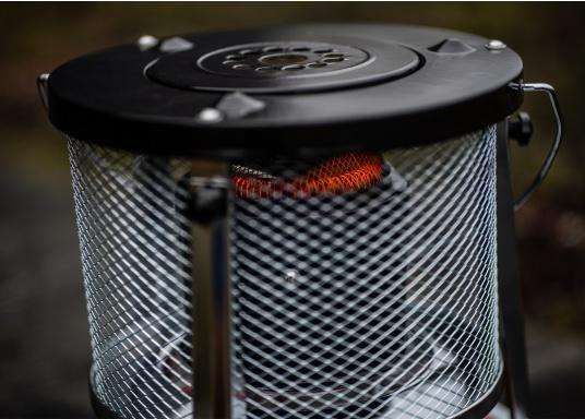 Ce poêle àpétroleapporte chaleur et confort à bord ou dans n'importe quel local. Avec un réservoir de 5litres, l'autonomie est d'environ 17 heures.  (Image 9 de 16)
