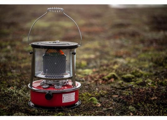 Ce poêle àpétroleapporte chaleur et confort à bord ou dans n'importe quel local. Avec un réservoir de 5litres, l'autonomie est d'environ 17 heures.  (Image 10 de 16)