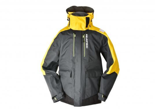 Vêtement très fonctionnel, durable et confortable. 100% imperméable et coupe-vent avec une respirabilité exceptionnelle. Idéal pour les navigations. REMARQUE ! Veuillez préciser votre taille dans les commentaires de votre commande.  (Image 4 de 17)