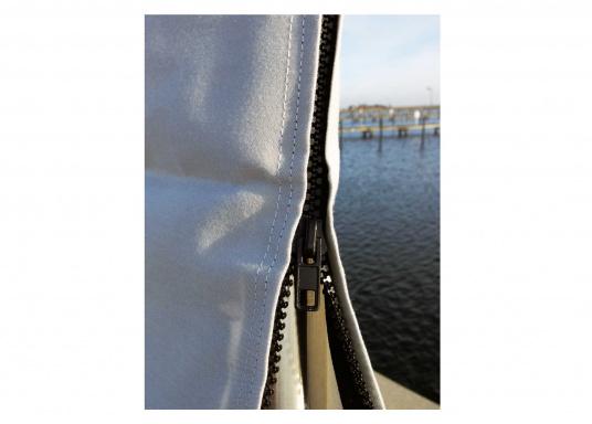 Taud de grand-voile résistant à toutes les conditions de temps. Tissusrespirant et anti-UV. Plusieurs dimensions sont disponibles.  (Image 2 de 3)