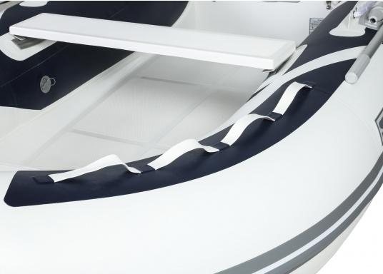 Performance, sécurité et confort : Le SEATEC GT SPORT 330 est le semi-rigide idéal pour tous les plaisanciers passionnés. Pêche, balades ou plongée, le GT SPORT 330 s'adapte à toutes les activités ! (Image 5 de 10)