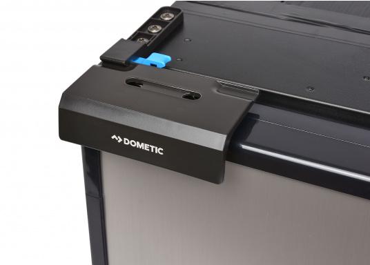 Réfrigérateur à compresseur innovant CRE-50 DOMETIC. Solution de 2-en-1 grâce à compartiment congélateur amovible, qui permet le stockage de produit supplémentaires. L'électronique intelligent contrôle la vitesse du compresseur ; de cette manière, la consommation d'énergie est réduite de 25% (Image 5 de 10)