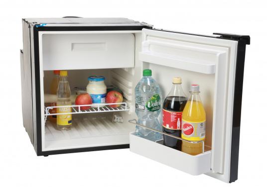 Réfrigérateur à compresseur innovant CRE-50 DOMETIC. Solution de 2-en-1 grâce à compartiment congélateur amovible, qui permet le stockage de produit supplémentaires. L'électronique intelligent contrôle la vitesse du compresseur ; de cette manière, la consommation d'énergie est réduite de 25% (Image 4 de 10)
