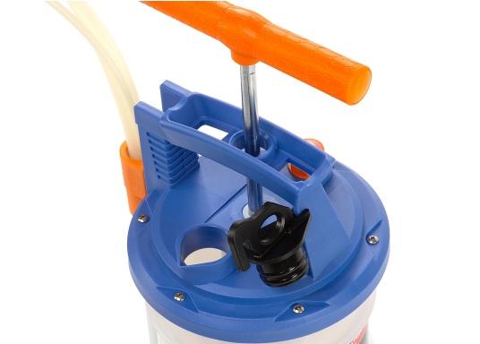 Pompe de vidange universelle, facile à utiliser, pour huiles, eau et autres liquides. Actionnez la pompe en élevant et en abaissant la poignée. En quelques instants, un vide se créé qui aspire le liquide dans le réceptacle de la pompe. Volume : 4,0 l. (Image 3 de 6)