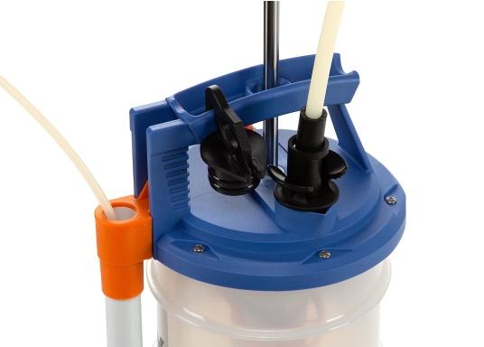 Pompe de vidange universelle, facile à utiliser, pour huiles, eau et autres liquides. Actionnez la pompe en élevant et en abaissant la poignée. En quelques instants, un vide se créé qui aspire le liquide dans le réceptacle de la pompe. Volume : 6,5 l. (Image 4 de 6)