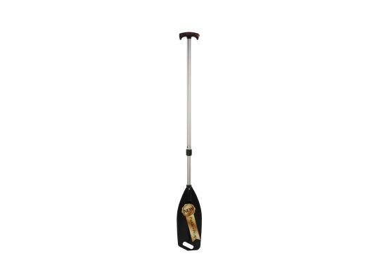 Grâce à cette pagaie 3-en-1 innovante, vous conserverez les pieds au sec lors de vos sorties en kayak ! En dévissant le verrouillage, la pagaie devient une pompe capable d'aspirer environ 320 ml d'un coup. (Image 1 de 8)