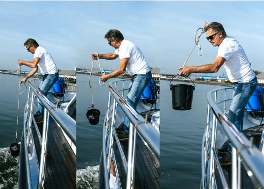 Indispensable à bord ! Ce seau caoutchouc est pratiquement indestructible. Il est équipé d'une anse à oeil et d'un bout'épissé.  (Image 3 de 3)